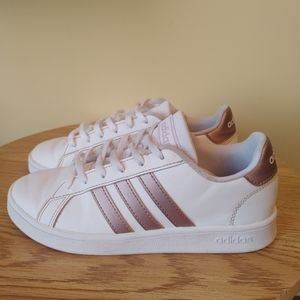 Adidas girls Pink and White size 3